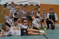 Die Jungs der E-Jugend M gewinnen bei ihrer Heimspielpremiere beide Spiele souverän